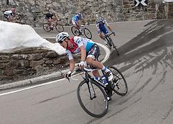 23.05.2017, Bormio, ITA, Giro d Italia 2017, 16. Etappe, Rovetta nach Bormio, im Bild Bob Jungels (LUX, Quick-Step Floors) // Bob Jungels (LUX, Quick-Step Floors) during the 16th stage of the 100th Giro d' Italia cycling race from Rovetta to Bormio, in Bormio Italy on 2017/05/23. EXPA Pictures © 2017, PhotoCredit: EXPA/ R. Eisenbauer