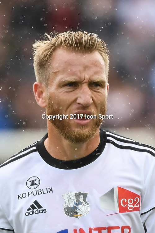 Julien Ielsch of Amiens during the Ligue 1 match between Amiens SC and Olympique Marseille at Stade de la Licorne on September 17, 2017 in Amiens, . (Photo by Anthony Dibon/Icon Sport)