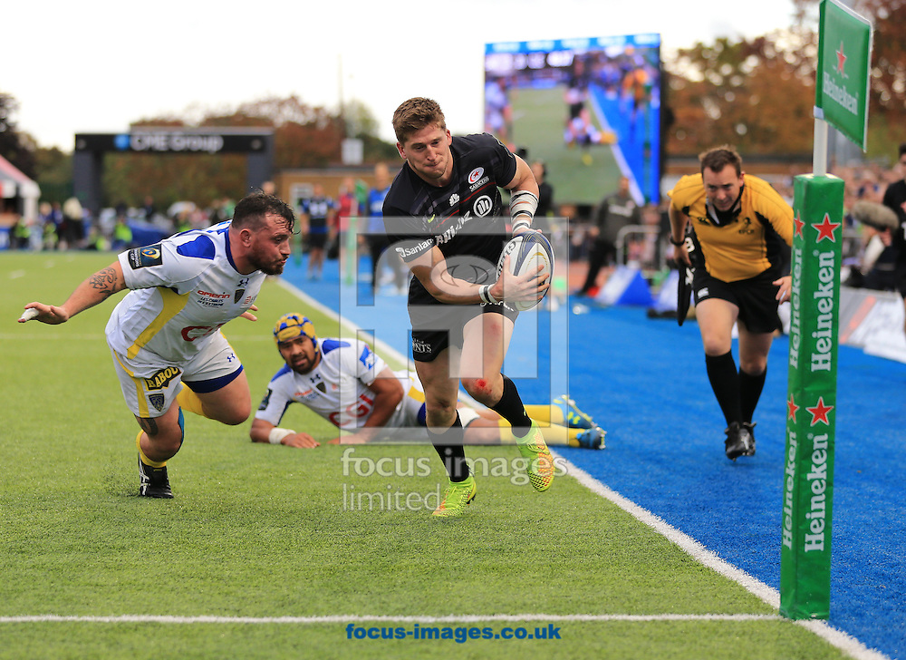 David Strettle of Saracens has the try line in his sights during the European Rugby Champions Cup match at Allianz Park, London<br /> Picture by Michael Whitefoot/Focus Images Ltd 07969 898192<br /> 18/10/2014