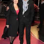 NLD/Amsterdam/20080929 - Pink Ribbon gala 2008, Robert ten Brink en partner Roos Cialone