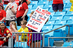 """CHARLOTTE, USA - Sunday, July 22, 2018: A Liverpool supporter with sign """"I'm missing practice to be here so can I have some autographs so I don't get benched!"""" before a preseason International Champions Cup match between Borussia Dortmund and Liverpool FC at the  Bank of America Stadium. (Pic by David Rawcliffe/Propaganda)"""