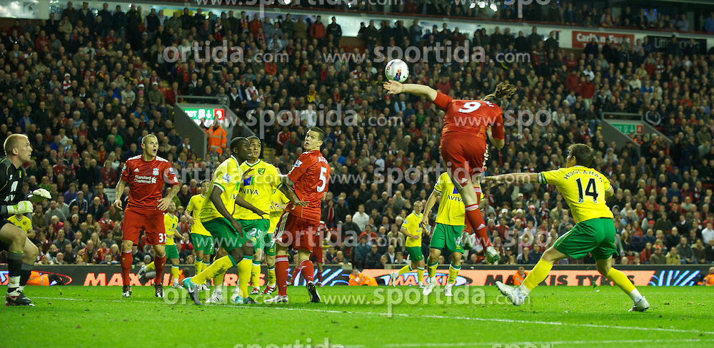 22.10.2011, Anfield Stadion, Liverpool, ENG, PL, FC Liverpool - Norwich City, im Bild Liverpool's Andy Carroll misses an injury time header against Norwich City during the Premiership match at Anfield // during the Premier League football match between FC Liverpool - Norwich City, at Anfield Stadium, Liverpool, United Kingdom on 22/10/2011. EXPA Pictures © 2011, PhotoCredit: EXPA/ Propaganda Photo/ David Rawcliff +++++ ATTENTION - OUT OF ENGLAND/GBR+++++