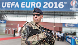 10.06.2016, Parc de Princes, Paris, FRA, UEFA Euro, Frankreich, Frankreich vs Rumaenien, Gruppe A, Vorberich, im Bild Einheiten der Armee vor dem Stadion // Units of the army i front of the stadium before Group A match between France and Romania of the UEFA EURO 2016 France at the Parc de Princes in Paris, France on 2016/06/10. EXPA Pictures © 2016, PhotoCredit: EXPA/ JFK