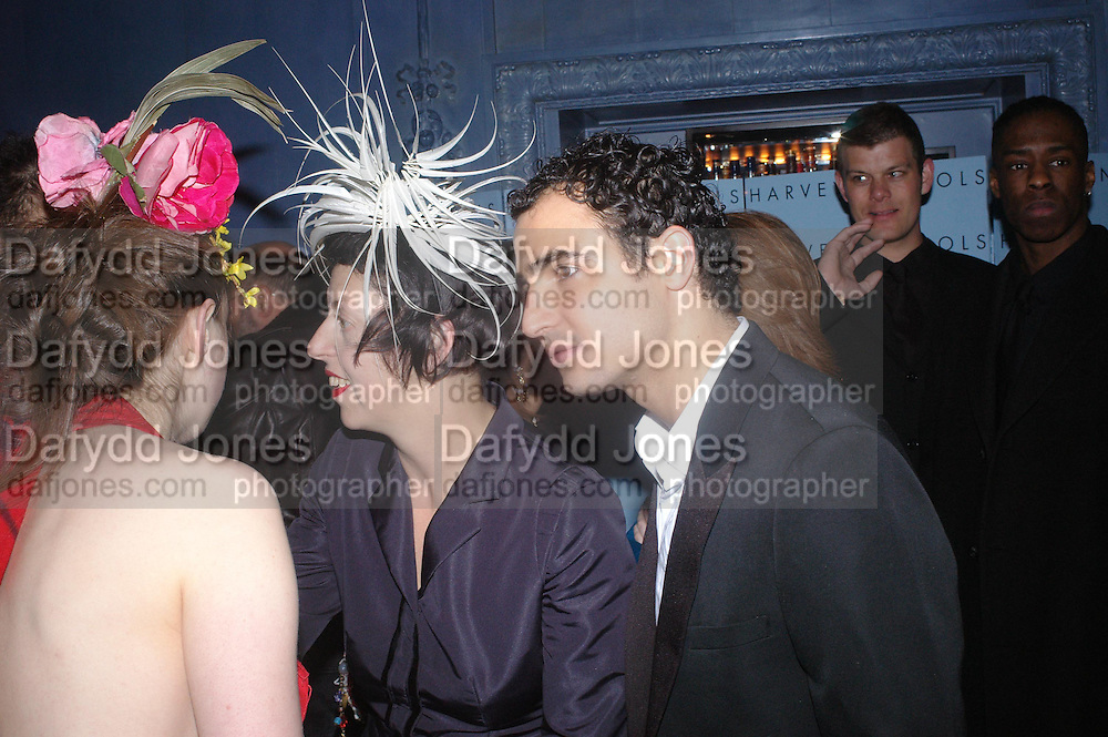 Anna Maconochie, Isabella Blow and Zac Posen.  Zac Posen Spring/ Summer collection launch party. The Blue Bar, Berkeley Hotel. London. 7 March 2004. Dafydd Jones,  ONE TIME USE ONLY - DO NOT ARCHIVE  © Copyright Photograph by Dafydd Jones 66 Stockwell Park Rd. London SW9 0DA Tel 020 7733 0108 www.dafjones.com