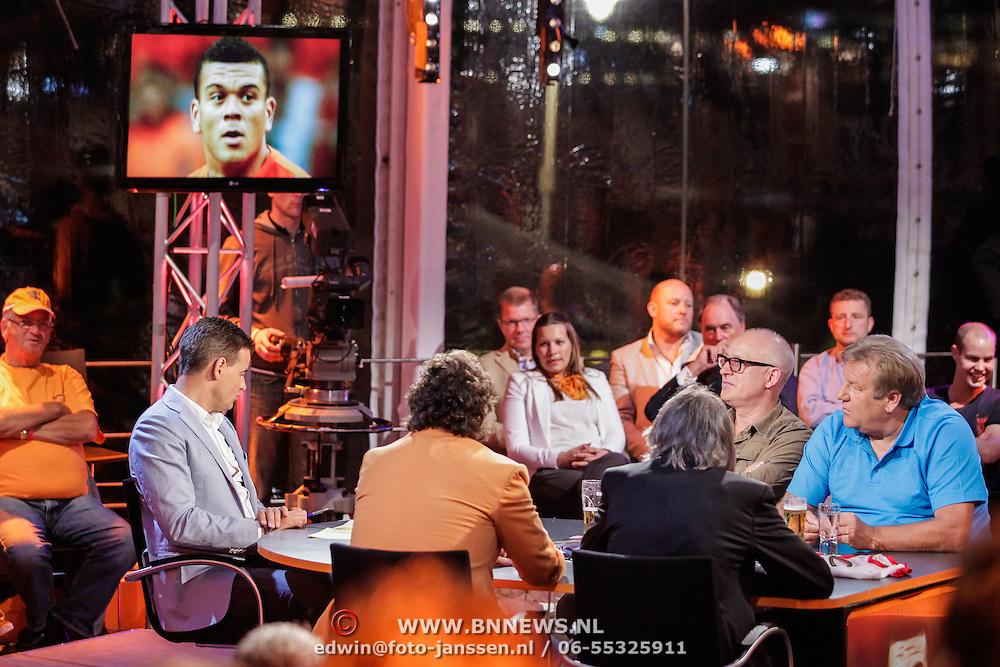 NLD/Scheveningen/20120604 - 1e uitzending VI Oranje met Wilfred Genee en Johan Derksen, Jan Boskamp