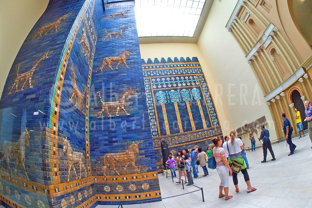 Alberto Carrera, Isthar Gate, Pergamon Museum, Museum Island, UNESCO World Heritage Site, Central Berlin, Berlin, Germany, Europe<br /> <br /> EDITORIAL USE ONLY