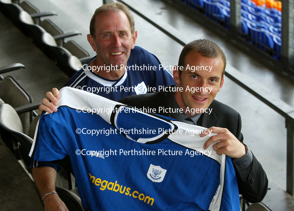 Paul Sheerin pictured at McDiarmid Park with John Connolly after signing a two year deal to join St Johnstone from Aberdeen.<br />