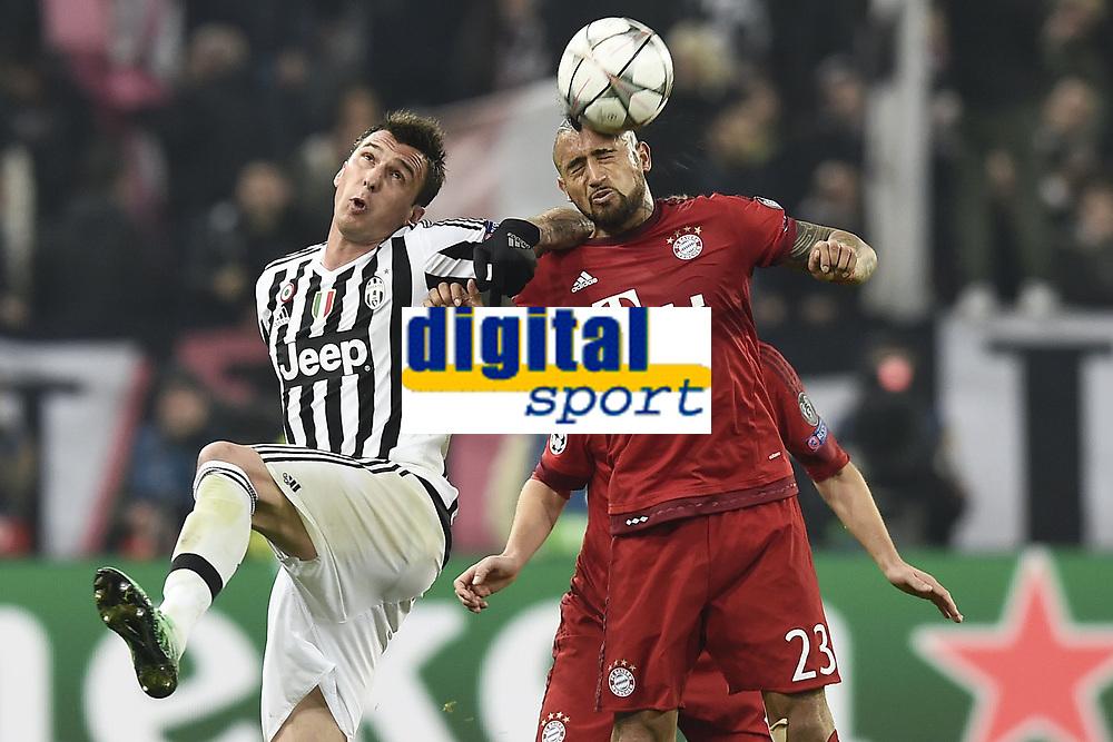 Mario Mandzukic Juventus, Arturo Vidal Bayern <br /> Torino 23-02-2016 Juventus Stadium, Football Champions League 2015/2016 Round of 16 Juventus - Bayern Munich / Juventus - Bayern Monaco .  Foto Image Sport / Insidefoto