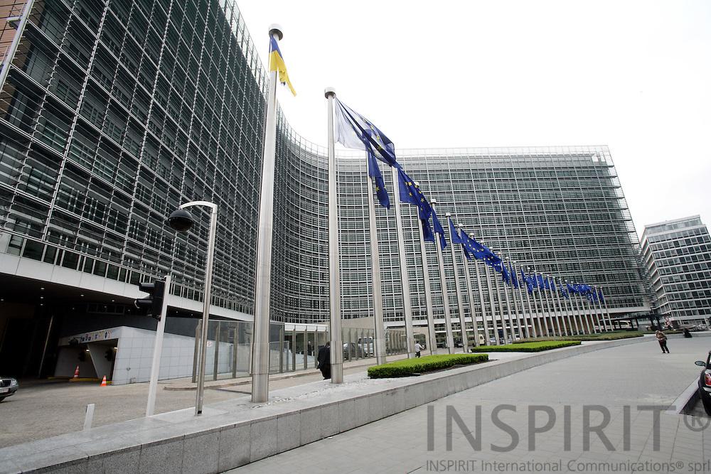 BRUSSELS - BELGIUM - 17 APRIL 2007 -- Flags in front of Berlaymont. Photo: Erik Luntang