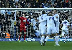 Yeovil Town's Wayne Hennessey moans at his defence  as Leeds celebrate the second goal-Photo mandatory by-line: Matt Bunn/JMP - Tel: Mobile: 07966 386802 02/11/2013 - SPORT - FOOTBALL - Elland Road - Leeds - Leeds United v Yeovil Town - Sky Bet Championship