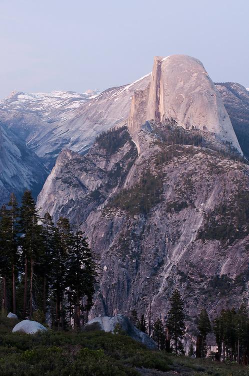 USA, Yosemite National Park (CA).Half Dome and Yosemite Valley at twilight
