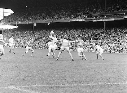 Armagh grabs the ball mid air but is surrounded by four Roscommon players during the All Ireland Senior Gaelic Football Semi Final Replay Roscommon v Armagh in Croke Park on the 28th August 1977. Armagh 0-15 Roscommon 0-14.