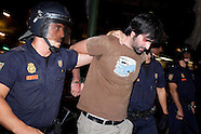 Spanish riot police charge against indignants at Interior Ministry, 04 Aug 2011