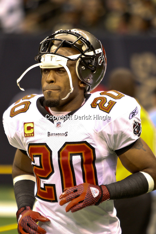 November 6, 2011; New Orleans, LA, USA; Tampa Bay Buccaneers cornerback Ronde Barber (20) prior to a game against the New Orleans Saints at the Mercedes-Benz Superdome. The Saints defeated the Buccaneers 27-16. Mandatory Credit: Derick E. Hingle-US PRESSWIRE