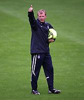 Photo: Paul Thomas.<br /> England training at Carrington. 30/08/2006. <br /> <br /> Steve McClaren.