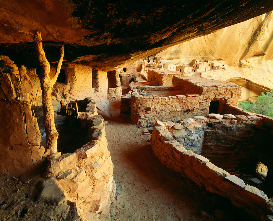 0111-1010B ~ Copyright: George H. H. Huey ~ Prehistoric cliff dwelling pueblo, Keet Seel. Kayenta Anasazi culture cliff dwelling, occupied A.D. 1200's. Navajo National Monument, Arizona.