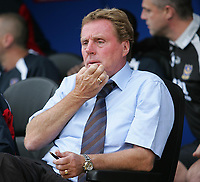 Photo: Lee Earle.<br /> Portsmouth v Wigan Athletic. The Barclays Premiership. 09/09/2006. Portsmouth manager Harry Redknapp.