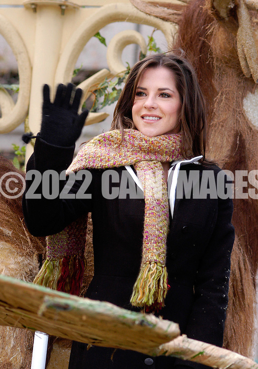 PHILADELPHIA - NOVEMBER 24:  Actress Kelly Monaco waves to the crowd during Philadelphia's 86th Annual Thanksgiving Day Parade November 24, 2005 in Philadelphia, Pennsylvania. The Philadelphia parade is the oldest in the United States. (Photo by William Thomas Cain/Getty Images)