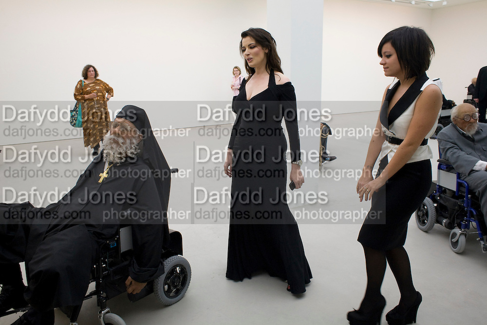 NIGELLA LAWSON; LILY ALLEN, The Revolution Continues: New Art From China. The opening of the New Saatchi Gallery. King's Rd.  London. 7 October 2008. *** Local Caption *** -DO NOT ARCHIVE-© Copyright Photograph by Dafydd Jones. 248 Clapham Rd. London SW9 0PZ. Tel 0207 820 0771. www.dafjones.com.