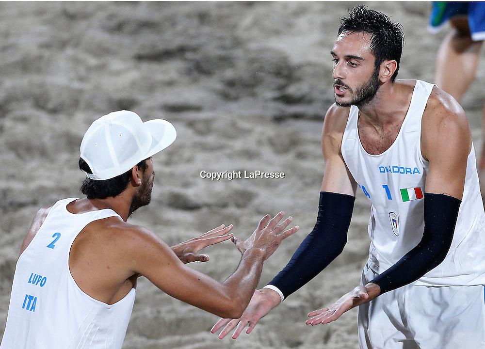 Foto LaPresse - Spada<br /> 19  agosto  2016 , Rio de Janeiro ( Brasile)<br /> Sport <br /> Olimpiadi Rio 2016 - Finale Beach Volley uomini <br /> P. Nicolai e D. Lupo ( ITA ) vs B. Schmidt e A. Cerutti ( BRA )<br /> Cerimonia di premiazione <br /> Nella foto:   P. Nicolai e D. Lupo ( ITA ) <br /> <br /> Photo LaPresse - Spada<br /> August 19 ,  2016  , Rio de Janeiro 2016  (Brazil)<br /> Sport<br /> Olympic games Rio 2016 - Men's beach volleyball final <br /> P. Nicolai e D. Lupo ( ITA ) vs B. Schmidt e A. Cerutti ( BRA )<br /> Winning ceremony<br /> In the pic:  P. Nicolai e D. Lupo ( ITA )