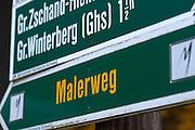 Malerweg Wanderweg Wegweiser, Sächsische Schweiz, Elbsandsteingebirge, Sachsen, Deutschland   hiking track sign posts, Saxon Switzerland, Saxony, Germany