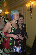 Sophie Burrell and Lady Ivar Mountbatten. James Bond charity Ball in aid of Baby Lifeline. Dorchester. 30 October 2000.  © Copyright Photograph by Dafydd Jones 66 Stockwell Park Rd. London SW9 0DA Tel 020 7733 0108 www.dafjones.com