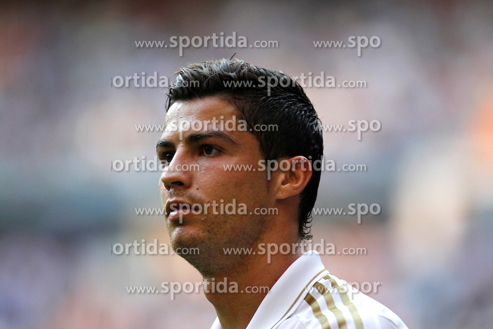 15.10.2011, Estadio Santiago Bernabeu, Madrid, ESP, Primera Division, Real Madrid vs Real Betis, im Bild Cristiano Ronaldo... // during Primera Division football match between Real Madrid and Real Betis at Santiago Bernabeu Stadium, Madrid, Spain on 15/10/2011. EXPA Pictures © 2011, PhotoCredit: EXPA/ Alterphoto/ Alex Cid-Fuentes  +++++ ATTENTION - OUT OF SPAIN/(ESP) +++++