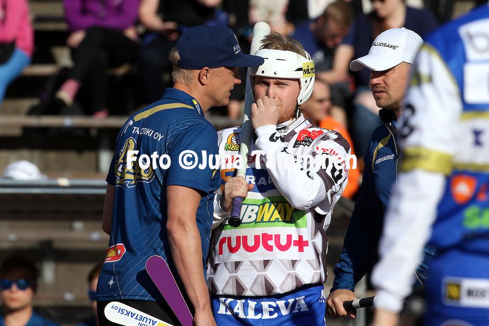 13.5.2016, Pihkala, Hyvink&auml;&auml;.<br /> Superpesis 2016.<br /> Hyvink&auml;&auml;n Tahko - Oulun Lippo.<br /> Matti Korhonen &amp; pelinjohtajat Markku Hylkil&auml; &amp; Sami Parttimaa - Oulu