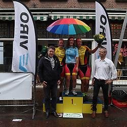21-08-2016: Wielrennen: Boeskoolronde Oldenzaal: Oldenzaal<br />OLDENZAAL (NED) wielrennen  <br />Eindpodium van de Viro Criteriumcup vrouwen met Karen Elzing, Evy Kuijpers en Judith Bloem