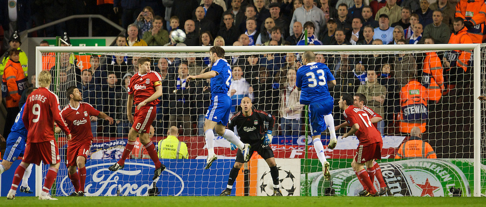 LIVERPOOL, ENGLAND - Wednesday, April 8, 2009: Liverpool's goalkeeper Pepe Reina and captain Steven Gerrard MBE look on as Chelsea's Branislav Ivanovic scores the secon goal during the UEFA Champions League Quarter-Final 1st Leg match at Anfield. (Photo by David Rawcliffe/Propaganda)