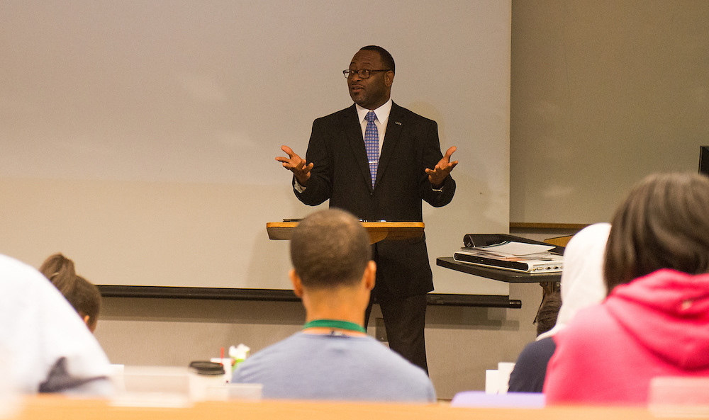 Tyrone Carr from the Office of Equity and Inclusion speaks to participants of the Junior Executive Business Program. Photo by Ben Siegel/ Ohio University