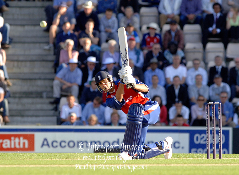 2005 Twenty/20 Cricket England vs Australia, The Rose Bowl, Southampton, Hampshire, ENGLAND 13.06.2005, Vickram Solanki, watches his shot move through mid wicket..Photo  Peter Spurrier. .email images@intersport-images...