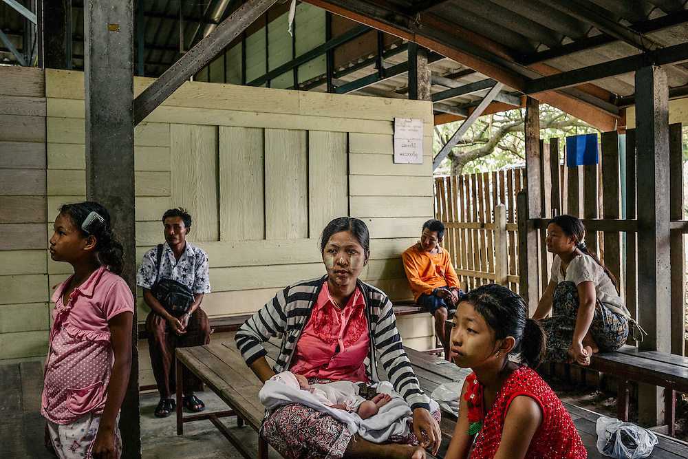 Patients waiting for medical attention. Most of the patients tend to be Karen or Burmese with a small percentage being Thai.
