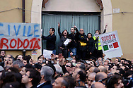 Roma 20 Aprile 2013.Proteste davanti a Montecitorio  del Movimento Cinque Stelle  per la rielezione di Giorgio Napolitano alla Presidenza della Repubblica . Manifestanti  per Stefano Rodotà