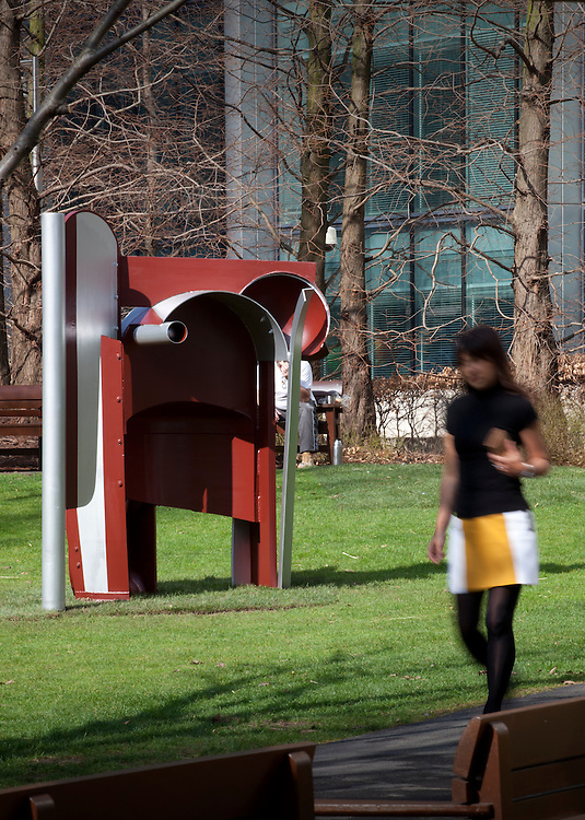 canary wharf arts and events. public art.