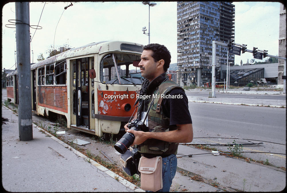 Photojournalist Roger M. Richards on assignment for Gamma Liaison in Sarajevo, September 1993. © Roger M. Richards
