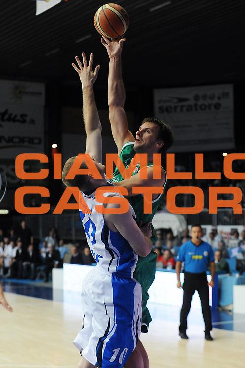 DESCRIZIONE : Cantu Lega A 2009-10 NGC Medical Cantu Benetton Treviso<br /> GIOCATORE : Sandro Nicevic<br /> SQUADRA : Benetton Treviso<br /> EVENTO : Campionato Lega A 2009-2010<br /> GARA : NGC Medical Cantu Benetton Treviso<br /> DATA : 12/10/2009<br /> CATEGORIA : Tiro Penetrazione<br /> SPORT : Pallacanestro<br /> AUTORE : Agenzia Ciamillo-Castoria/A.Dealberto