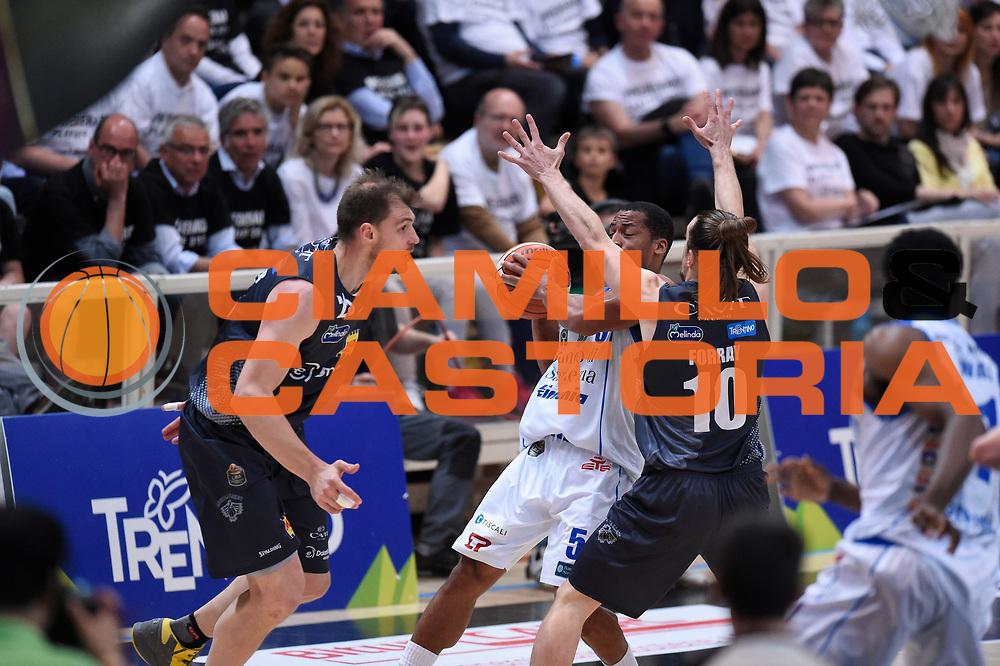Bell David, Forray Toto<br /> Quarti di Finale Gara 2<br /> Legabasket A 2016,2017<br /> Trento 14,05,2017<br /> Foto Ciamillo-Castoria,GiulioCiamillo
