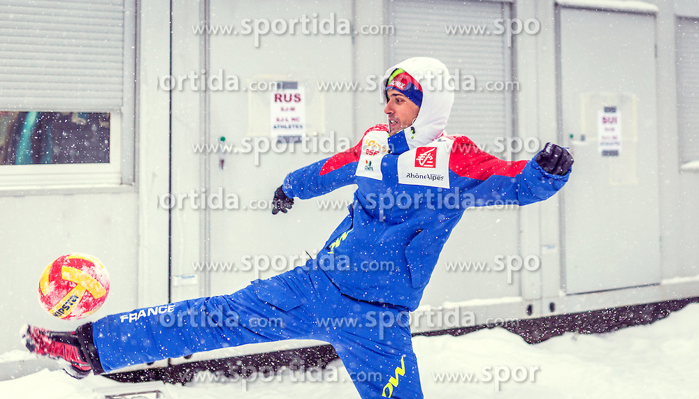 04.12.2015, Lysgards Schanze, NOR, FIS Weltcup Ski Sprung, Lillehammer, Herren, Training, im Bild Vincent Descombes Sevoie (FRA) // Vincent Descombes Sevoie of France during Mens Skijumping Training of FIS Skijumping World Cup at the Lysgards Hill, Lillehammer, Norway on 2015/12/04. EXPA Pictures © 2015, PhotoCredit: EXPA/ JFK