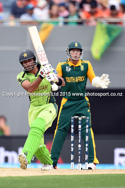 Pakistan batsman Sohaib Maqsood in action during the ICC Cricket World Cup match between Pakistan and South Africa at Eden Park in Auckland, New Zealand. Saturday 07 March 2015. Copyright Photo: Raghavan Venugopal / www.photosport.co.nz