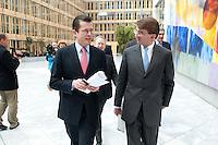 """24 MAR 2009, BERLIN/GERMANY:<br /> Dr. Karl- Theodor zu Guttenberg (L), CSU, Bundeswirtschaftsminister, und Frank Mattern (R), Leiter Deutschlandbuero McKinsey & Company, Inc., auf dem Weg zur BDI Veranstaltung """"Klimaschutz in der Rezession - jetzt nicht mehr oder jetzt erst recht?"""", BDI initiativ - Wirtschaft fuer Klimaschutz, Haus der Wirtschaft<br /> IMAGE: 20090324-01-034"""