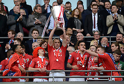 Bristol City's Aaron Wilbraham lifts the JPT trophy  - Photo mandatory by-line: Joe Meredith/JMP - Mobile: 07966 386802 - 22/03/2015 - SPORT - Football - London - Wembley Stadium - Bristol City v Walsall - Johnstone Paint Trophy Final