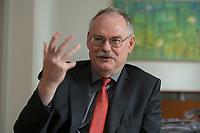 08 MAY 2012, BERLIN/GERMANY:<br /> Prof. Dr. Gert G. Wagner, Vorstandsvorsitzender DIW Berlin, waehrend einem Interview, in seinem Buero, Deutsches Institut für Wirtschaftsforschung e.V. <br /> IMAGE: 20120508-02-021<br /> KEYWORDS: Gerd Wagner