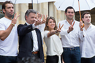 Bogota, Cundinamarca, Colombia - 02.10.2016        <br /> <br /> The Colombian President Santos and his family after he votes for the with the FARC. Peace contract referendum in Colombia. The Colombian citizens voting if the peace treaty negotiated between the government and the left FARC guerrilla becomes valid. The FARC has been in war with the Colombian government for 52 years.<br />  <br /> Der kolumbianische Praesident Santos mit seiner Familie nach der Stimmabgabe f&uuml;r den Frieden mit der FARC. Friedensvertrags Referendum in Kolumbien. Die kolumbianische Bev&ouml;lkerung stimmt dar&uuml;ber ab ob der ausgehandelte Friedensvertrag zwischen der Regierung und der linken FARC Guerilla gueltig wird. Die FARC befindet sich seit 52-Jahren im Krieg mit der kolumbianschen Regierung. <br /> <br /> Photo: Bjoern Kietzmann