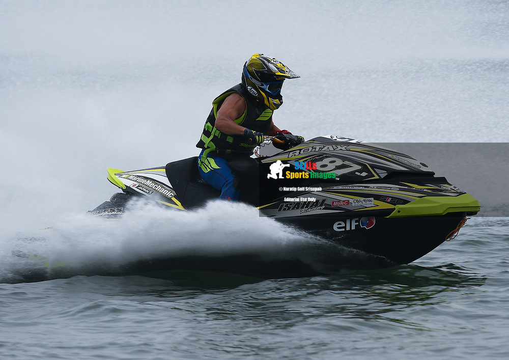 PATTAYA, THAILAND - DECEMBER 09: Hajime Isahai (J87) of Japan and Marine Mechanic in action after the Pro Runabout GP Moto3 at the Thai Airways International Jet Ski World Cup 2018, Jomtien Beach, Pattaya, Thailand on December 09, 2018. <br /> .<br /> .<br /> .<br /> (Photo by: Naratip Golf Srisupab/SEALs Sports Images)<br /> .<br /> Any image use must include a mandatory credit line adjacent to the content which should read: Naratip Golf Srisupab/SEALs Sports Images