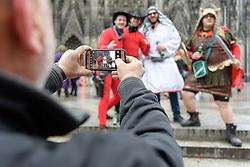23.02.2017, Koeln, GER, Karneval, Weiberfastnacht, im Bild Karnevalisten lassen ein Foto von sich am Dom machen // during Women's Night of Cologne Carnival 2017. Koeln, Germany on 2017/02/23. EXPA Pictures © 2017, PhotoCredit: EXPA/ Eibner-Pressefoto/ Schueler<br /> <br /> *****ATTENTION - OUT of GER*****