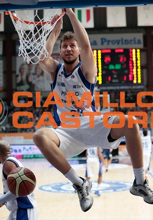 DESCRIZIONE : Cantu Lega A 2012-13 Lenovo Cantu Sutor Montegranaro<br /> GIOCATORE : Stefano Mancinelli<br /> CATEGORIA : schiacciata<br /> SQUADRA : Lenovo Cantu <br /> EVENTO : Campionato Lega A 2012-2013 <br /> GARA : Lenovo Cantu Sutor Montegranaro<br /> DATA : 14/04/2013<br /> SPORT : Pallacanestro <br /> AUTORE : Agenzia Ciamillo-Castoria/E.Andreoli<br /> Galleria : Lega Basket A 2012-2013  <br /> Fotonotizia : Cantu Lega A 2012-13 Lenovo Cantu Sutor Montegranaro <br /> Predefinita :