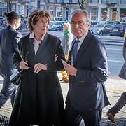 NLD/Amsterdam/20181027 - Herdenkner ingsdienst Wim Kok, Eelco Brinkman en partner Janneke Salentijn