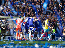 LONDON, ENGLAND - Sunday, May 3, 2015: Chelsea players celebrate winning the Premier League title after a 1-0 victory over Crystal Palace at Stamford Bridge. (Pic by David Rawcliffe/Propaganda)
