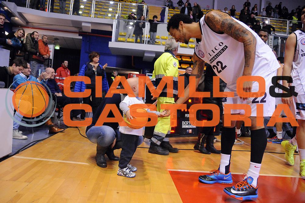 DESCRIZIONE : Biella LNP DNA Adecco Gold 2013-14 Angelico Biella Upea Capo D&rsquo;Orlando<br /> GIOCATORE : Francy Damian Hollis<br /> CATEGORIA : Esultanza Curiosita<br /> SQUADRA : Angelico Biella<br /> EVENTO : Campionato LNP DNA Adecco Gold 2013-14<br /> GARA : Angelico Biella Upea Capo D&rsquo;Orlando<br /> DATA : 19/01/2014<br /> SPORT : Pallacanestro<br /> AUTORE : Agenzia Ciamillo-Castoria/Max.Ceretti<br /> Galleria : LNP DNA Adecco Gold 2013-2014<br /> Fotonotizia : Biella LNP DNA Adecco Gold 2013-14 Angelico Biella Upea Capo D&rsquo;Orlando<br /> Predefinita :